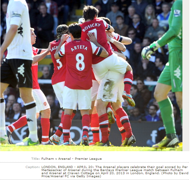 The Arsenal Players Celebrate Their Goal Scored By Per… News Photo - Getty Images - 167100740