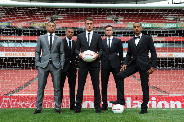 Alex Oxlade Chamberlain Kieran Gibbs Aaron Ramsey Carl… News Photo - Getty Images - 168307053