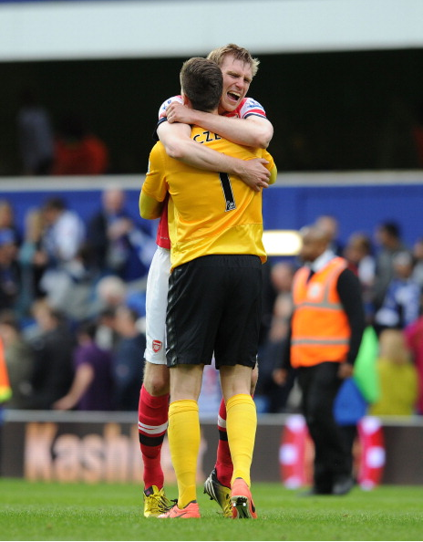 Per Mertesacker And Wojciech Szczesny Of Arsenal Celebrate… News Photo - Getty Images - 168029827