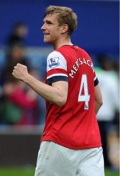 Per Mertesacker Of Arsenal Celebrates After The Barclays… News Photo - Getty Images - 168029943