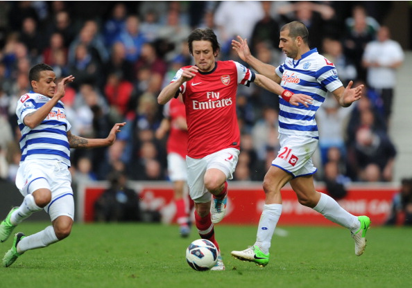 Tomas Rosicky Of Arsenal Breaks Past Jermaine Jenas And Tal… News Photo - Getty Images - 168029940