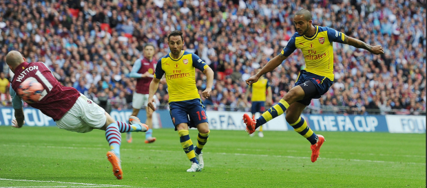 Theo Walcott scores the 1st Arsenal goal   LONDON  ENGLAND  …   Flickr   Photo Sharing